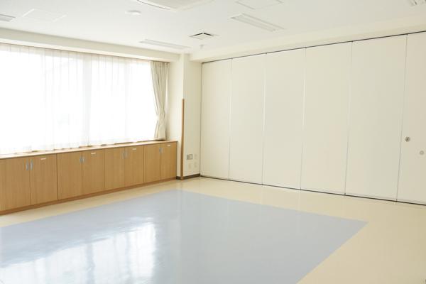 集会室1の仕切り壁